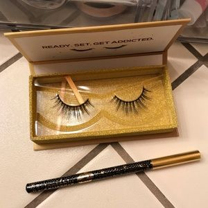 Other - NEW Lashaholic Instaglam Lashes and Liner